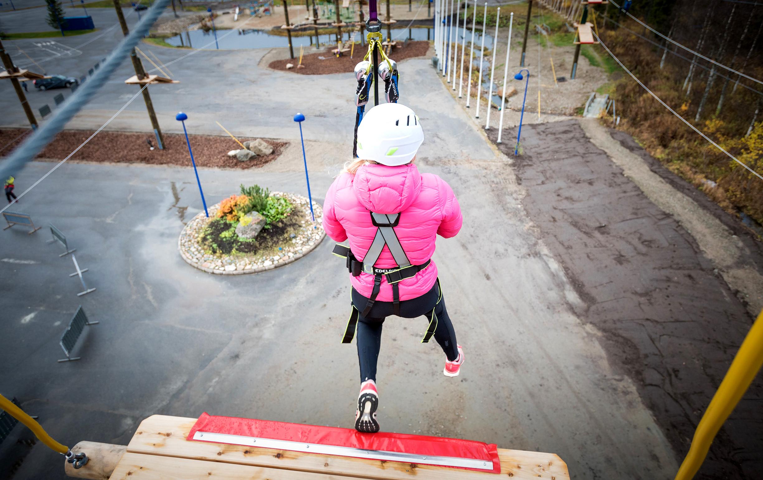 seikkailupuisto base jump