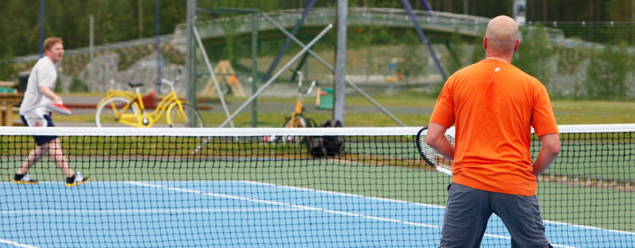 Levi_tennis