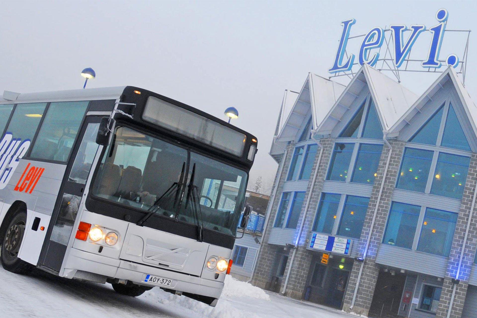 Levi_skibus